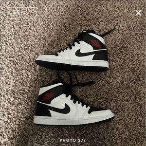 Jordan Shoes - Reverse black toe Jordan 1 mid